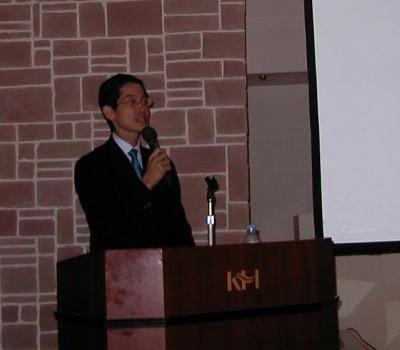 第1部 講演会では司会をつとめさせて頂きました。